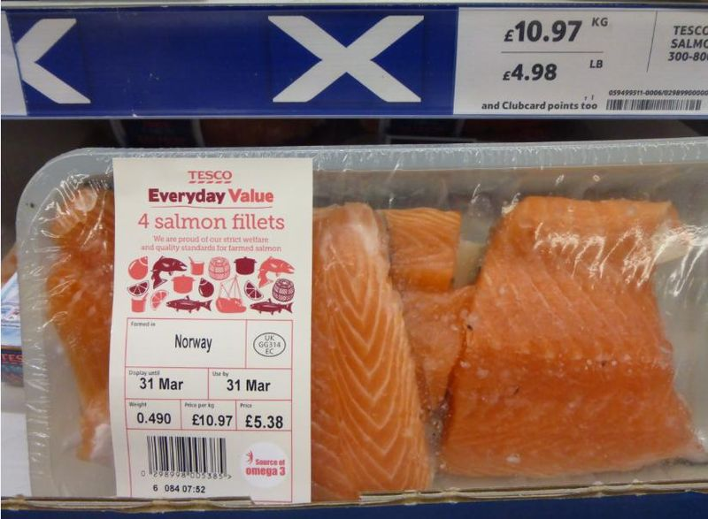 Low res photos #11 Tesco Corstorphine 29 March 2014 Norway farmed salmon adorned with Scottish flags