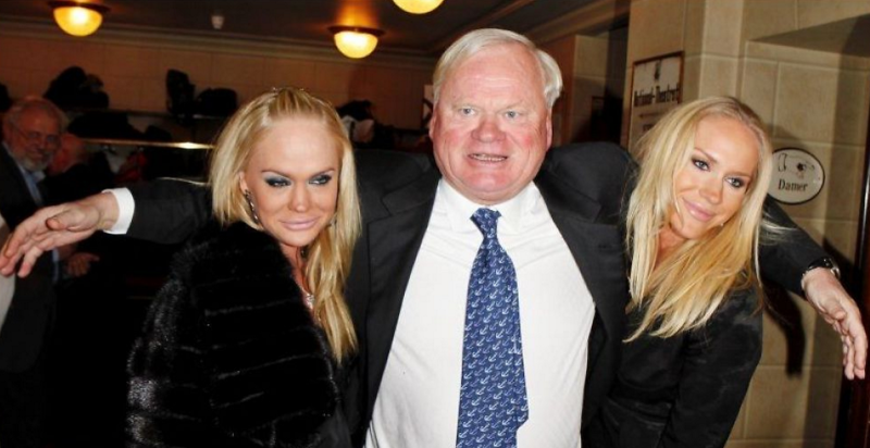 Fredriksen with daughters